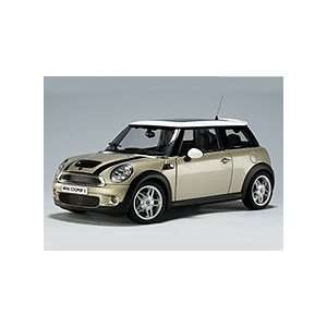 2006 Mini Cooper S Diecast Model Light Gold 1/18 Autoart
