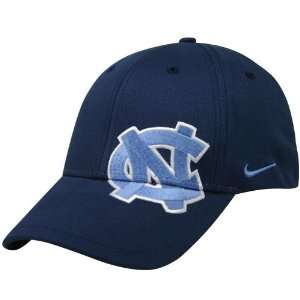 Nike North Carolina Tar Heels (UNC) Navy On Point Swoosh Flex Fit Hat