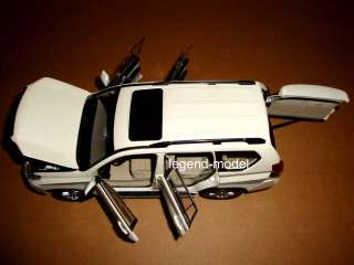 18 2010 Toyota Landcruiser Land Cruiser Prado white