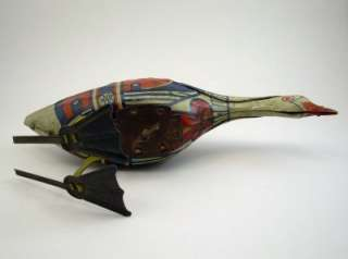Early Vintage Tin Litho MARX Wind up Goose Toy c 1920